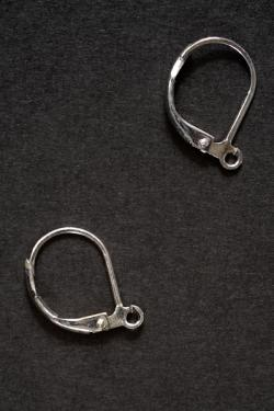 Crochet pour boucle d'oreille en or