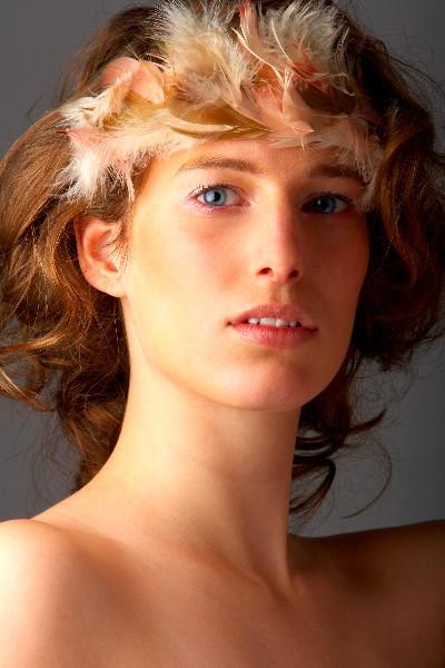 L 39 histoire des plumes - Plume dans les cheveux ...